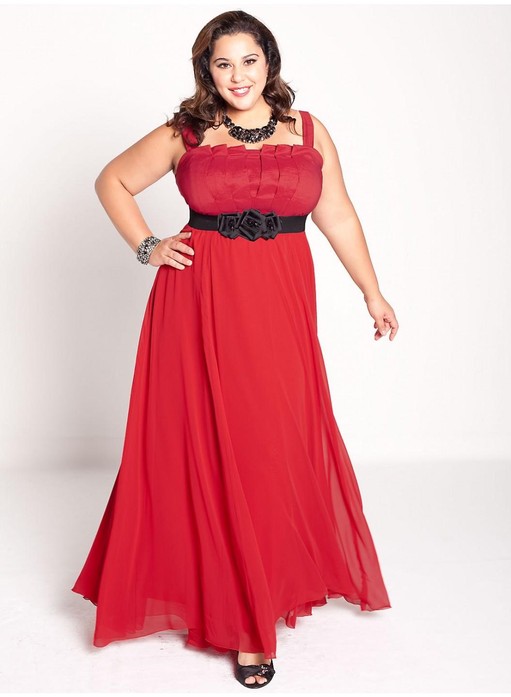 Robe rouge femme forte