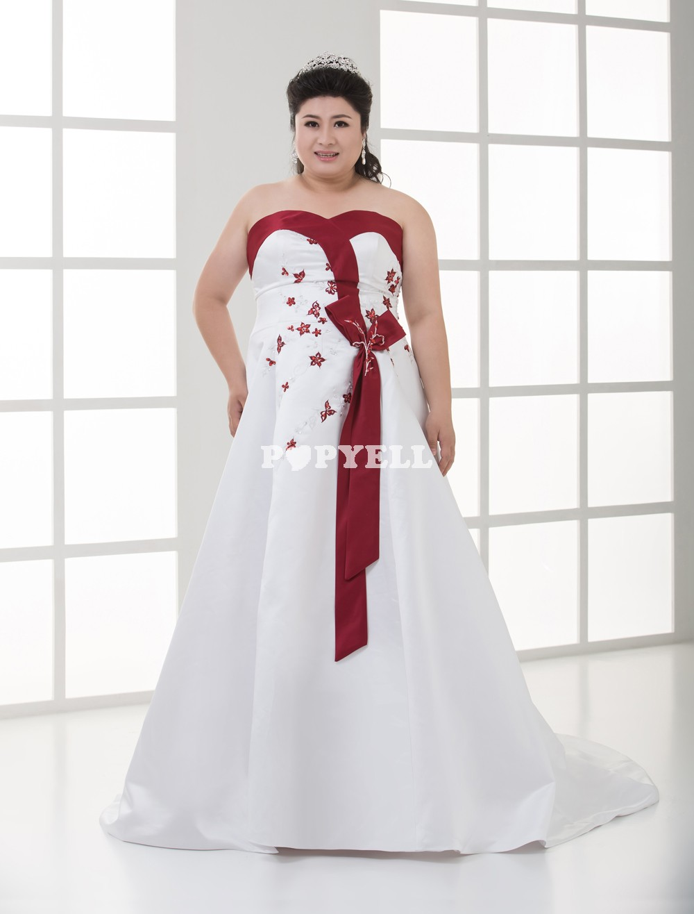 Robe rouge et blanche grande taille