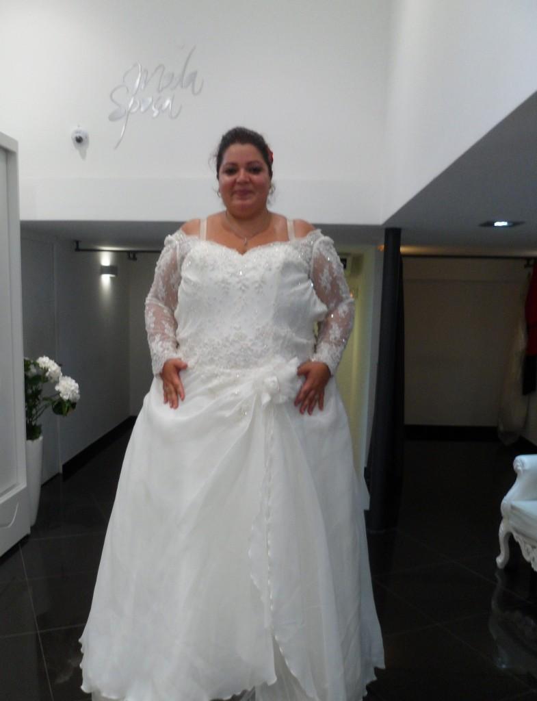 dd15d21a9af Robe de mariée pour femme ronde et petite ...